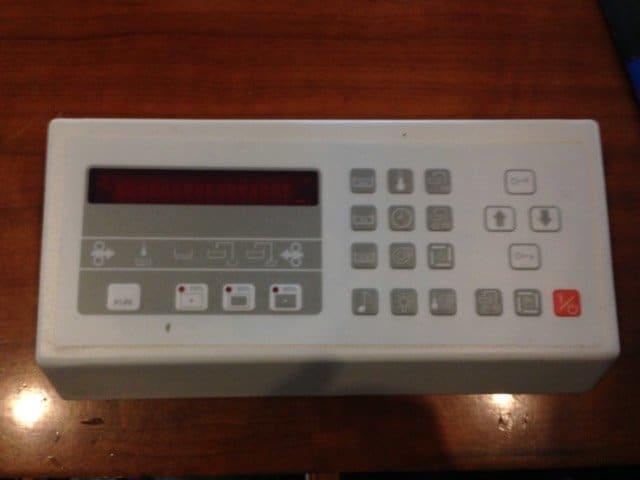 Painel com teclado de reveladora Agfa Avantra